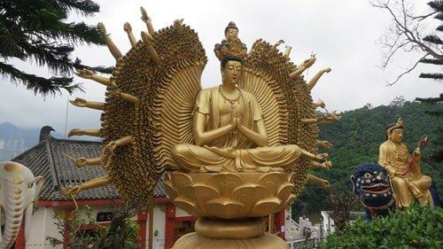 Kham pha tu vien 12.000 Phat vang o Hong Kong-Hinh-2