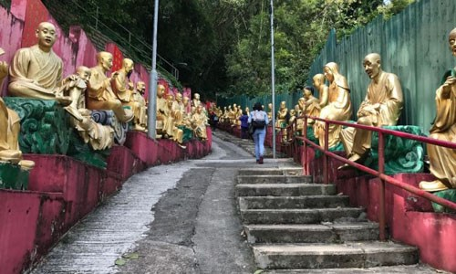 Kham pha tu vien 12.000 Phat vang o Hong Kong